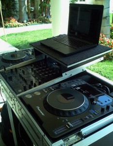 Serato with Mac Laptop and CDJ